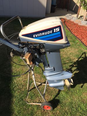 15 hp Evinrude Electric start - alternator for Sale in Buena Park, CA