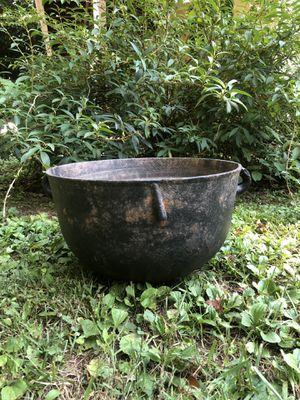 Antique cast iron caldron for Sale in Villa Rica, GA