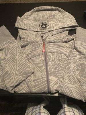 Women's Lululemon gray sweater size small for Sale in Fresno, CA