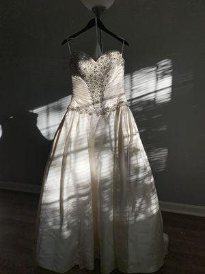 Allure Wedding Dress for Sale in Cincinnati, OH