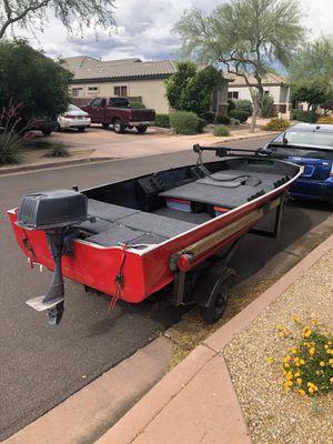 12 ft aluminum bass boat, 5hp Colman 4 stroke, new Minn Kota trolling motor for Sale in Show Low, AZ