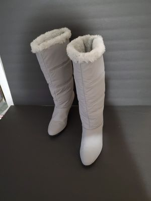 Faux Fur Lined Womens Gray Knee-high Boots for Sale in Watsontown, PA
