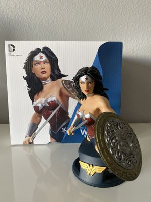 DC Collectibles DC Comics Super Heroes Wonder Woman Bust Statue Jim Lee for Sale in Winchester, CA