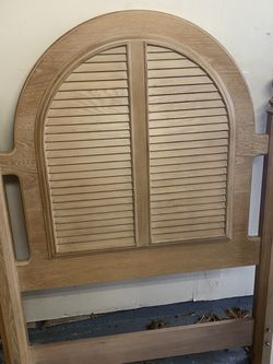 Twin Bed Headboard & Frame for Sale in Severn,  MD