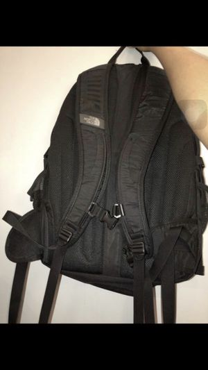 North face backpack for Sale in Bronx, NY