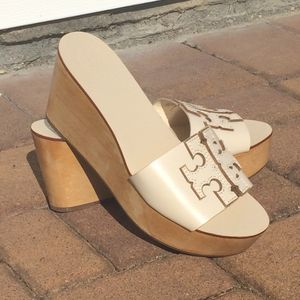 Tory Burch Ines Wooden Platform Wedge sandals for Sale in Smithtown, NY