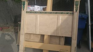 Queen size bed frame for Sale in Upland, CA