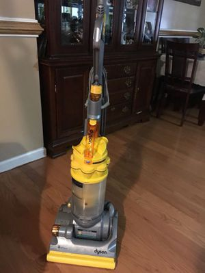 Dayson en buenas condiciones. Dyson in good condition for Sale in Halethorpe, MD