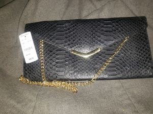 Brand new Brooks Brothers clutch with gold chain for Sale in Alexander, AR
