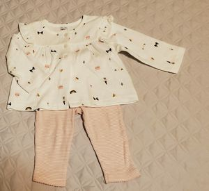 LIKE NEW Carter's Baby Girl Set Size 6m for Sale in Everett, WA