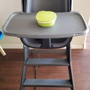 4moms Highchair for Sale in Litchfield Park, AZ