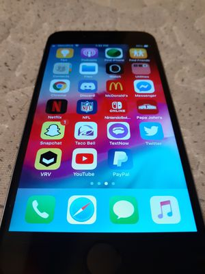 iPhone 6 works good for Sale in Los Angeles, CA