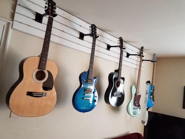 Guitarra acústica nueva de paquete