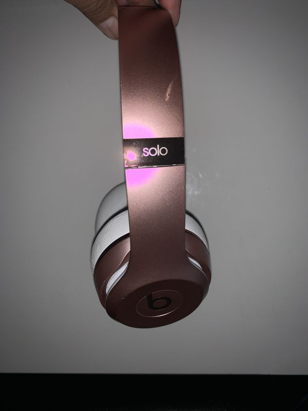 Beats Solo 3 Wireless(Rose Gold Used)