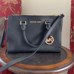 Michael Kors Purse for Sale in Lake Forest,  CA