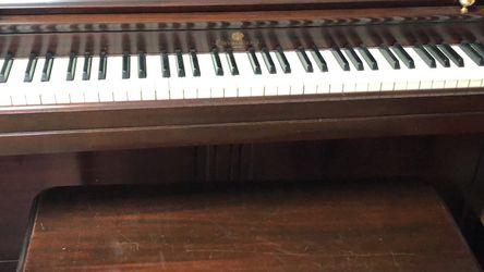 Wurlitzer Piano -Very Good Condition ! Bench Included for Sale in Boxford,  MA