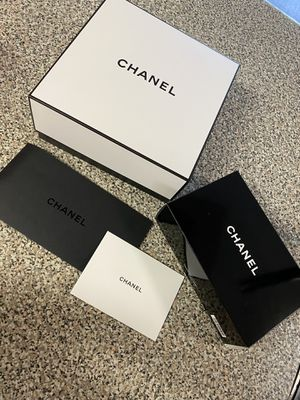 Chanel box 📦 and receipt slip ONLY $20 for Sale in Los Angeles, CA