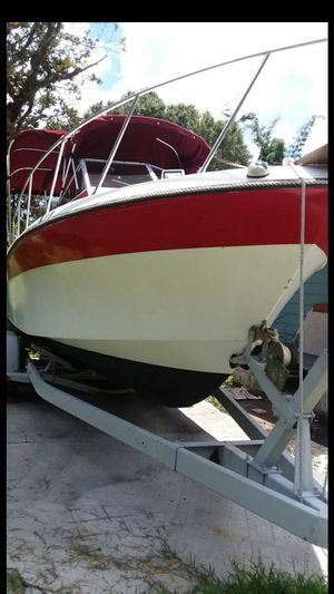 22' WALKAROUND WELLCRAFT MARINE BOAT $3000 for Sale in Tampa, FL