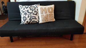 Nice and clean futon for Sale in Auburn, WA