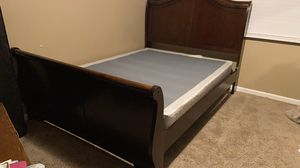 Bed Frame—Queen Size, Great Condition for Sale in New Orleans, LA
