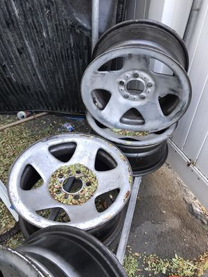 "15"" 5 lug Jeep wheels for Sale in Anaheim, CA"