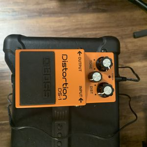 Fender Squire Electric With Strap, Amp And Distortion Pedal for Sale in Woodridge, IL