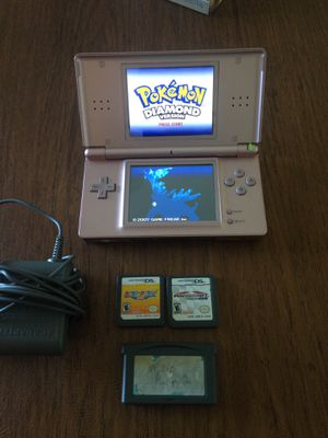 Ds lite with 4 games for Sale in Miami, FL