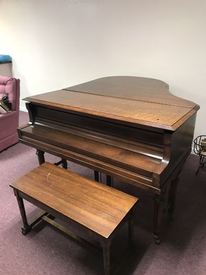 Baby grand piano for Sale in KIMBERLIN HGT, TN