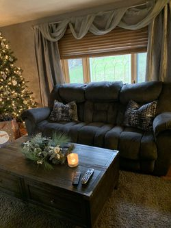 Couch, loveseat and chair set for Sale in Pittsburgh,  PA