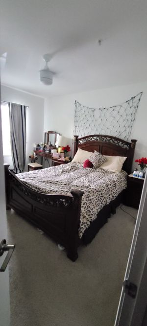 Queen bedroom set ashley furniture for Sale in Kissimmee, FL