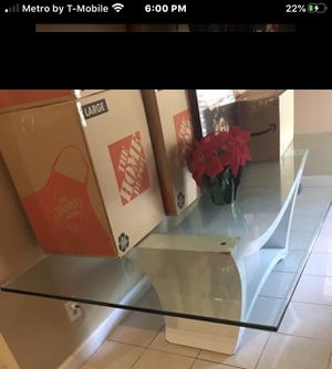 Beautiful 10 foot glass dining room table $75 MOVING SPECIAL EVERYTHING MUST GO SERIOUS INQUIRES ONLY for Sale in FL, US