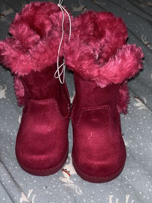 Baby girls winter pink boots size 4 for Sale in Bloomington, CA