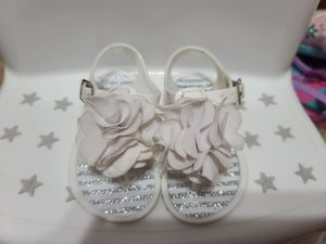 Girls sandals size 4 for Sale in Mesquite, TX