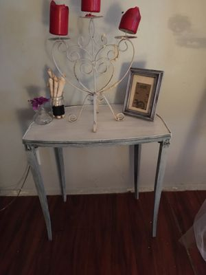 Shabby chic petite accent table for Sale in Clearwater, FL