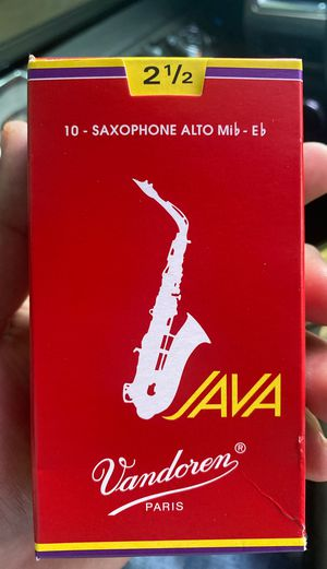 Alto saxophone reeds 2 1/2 for Sale in Fort Worth, TX
