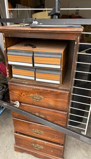 FREE VINTAGE Drawer and side table set for Sale in North Las Vegas, NV