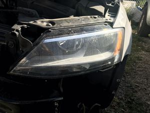 2011-2017 vw jetta tdi left LH headlight for Sale in Columbus, OH