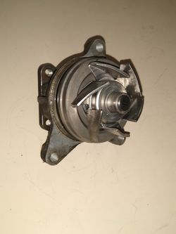 Used Water pump From A 2007 Ford Fusion 2.3 Will Also Fit Mazda 2.3 for Sale in Portland,  OR