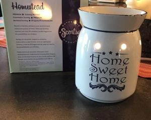NEW Scentsy Warmer Full Size Homestead for Sale in ROWLAND HGHTS, CA