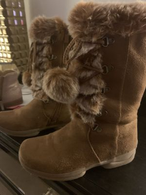 Knee high winter boots for girls size 3 for Sale in Charlotte, NC