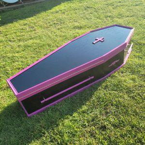 Halloween Coffin ⚰ for Sale in Mystic Islands, NJ