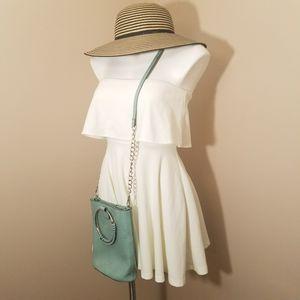 Windsor Pelham cream mini dress size small for Sale in Powder Springs, GA