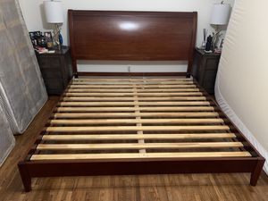 Wood platform king bed frame for Sale in University Place, WA