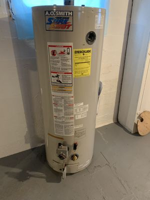 50 gallon gas water heater for Sale in Tacoma, WA