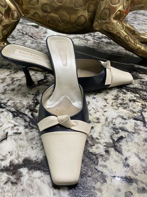 ENZO ANGIOLINI Navy/Off White Low Heels for Sale in Spring, TX