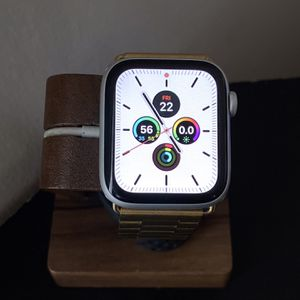 Apple Watch (Series 4) for Sale in Columbia, SC