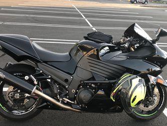 2011 kawasaki ninja zx14 for Sale in Ashburn,  VA
