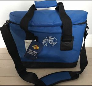 New Bass Pro Shops Large Cooler / Bait Tote Bag for Sale in Blackstone, MA