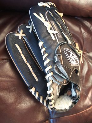 Louisville Slugger baseball glove for Sale in Virginia Beach, VA