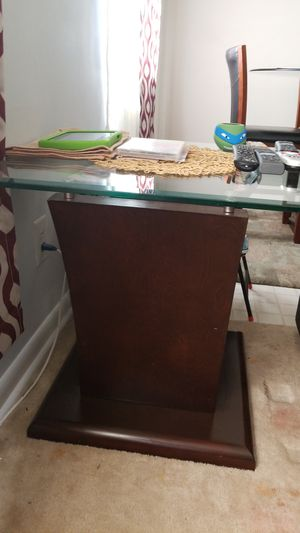 End table with coffee table for Sale in Hyattsville, MD